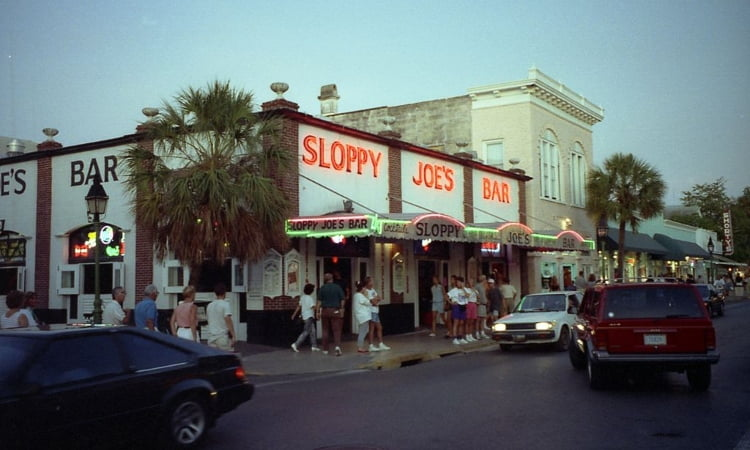 outside of sloppy joe's bar in kwy west