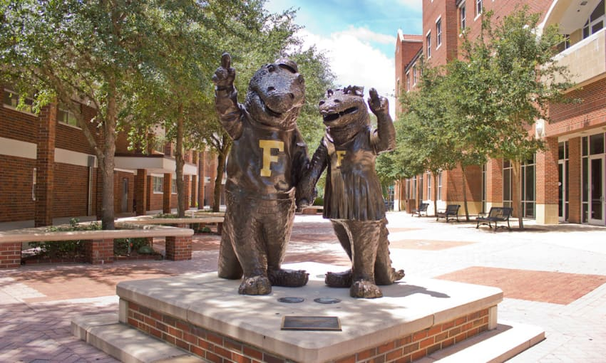 gator mascot statue on the university of florida campus