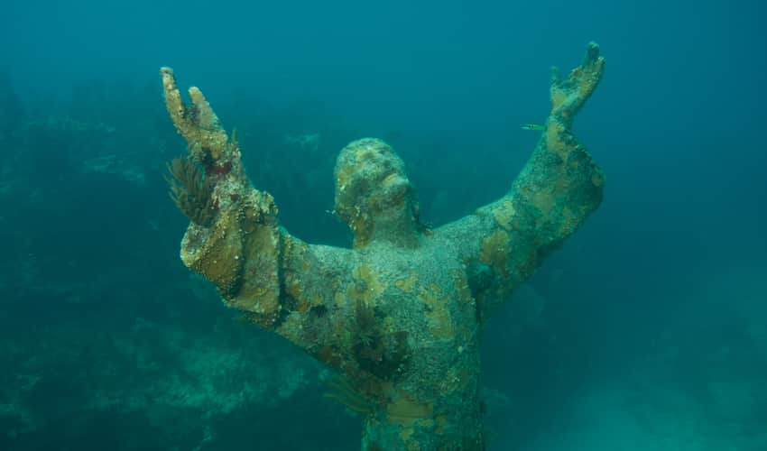 Christ of the Abyss in John Pennekamp Park Penne